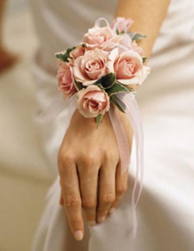 браслет в виде цветка на руку